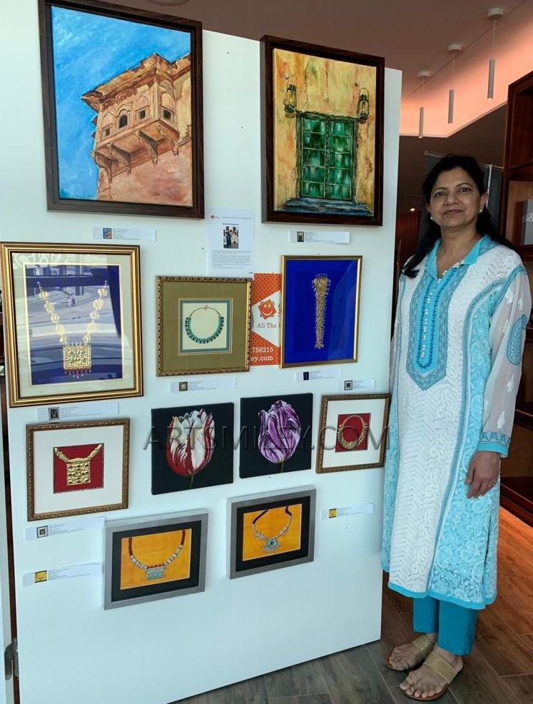 Reena Srivastava at artsmiley exhibition
